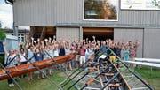Die RCS-Mitglieder freuen sich nicht nur über ihre zwei neuen Ruderboote. (Bild: Margrith Pfister-Kübler)