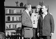Auch sie spielen in Schwarz-Weiss: Alois Ruch als Sergeant Burchitt, Ute Hoffmann als Julia Putnam und Bertolt Specker als Arthur Putnam (von links).