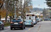 Zur Hauptverkehrszeit bleiben die Busse vor allem auf der Strecke vom Bahnhof bis zum Schwanenkreisel stehen. (Bild: Josephine Opprecht)