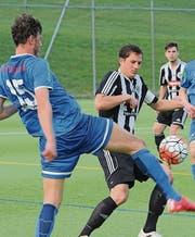 Der FC Herisau ist zunächst unter Druck – hier Captain Luca Keller… (Bilder: pf)