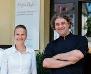 Celina Räbsamen und Christoph Brändle vom «Hafenbuffet» sind neu auch für den Pavillon am See in Rorschach verantwortlich. (Bild: Lisa Wickart (August 2017))