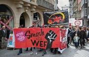 So kann sich universelle Empörung manifestieren: Demonstrationszug in der St. Galler Altstadt. (Archivbild: Ralph Ribi)