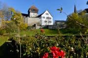 Der «Unterhof» mit der Burganlage, die das Restaurant beherbergt. (Bild: Donato Caspari)