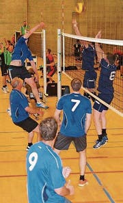 Volleyballriege in Action. (Bild: PD)