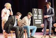 «Schlag den TV»: Mit einem Spiel sorgte der Märstetter Turnverein für Unterhaltung. (Bilder: Werner Lenzin)