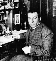 Frank Wedekind (1864-1918), Schriftsteller und Dramatiker an seinem Schreibtisch. (Bild: Getty)