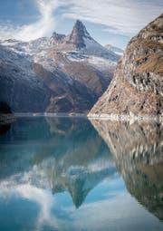Blick auf den Stausee Zervreila oberhalb von Vals in Graubünden. (Bild: Urs Bucher (17. November 2015))