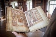 Im irischen Evangeliar besitzt St. Gallen eine der schönsten irischen Handschriften des Frühmittelalters. (Bild: Ralph Ribi)