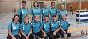Elf Frauen des Frauenturnvereins Nesslau massen sich im Bündnerland am Indiaca-Turnier. (Bild: PD)