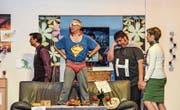 Die Mitglieder des Theatervereins Wallenwil verstehen es, ihr Publikum zum Lachen zu bringen. (Bild: Christoph Heer)