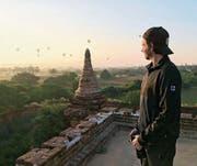 Stefan Tschumi geniesst in der Region Bagan (Myanmar) die Aussicht. (Bild: PD)