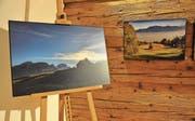 «Vorweihnacht» (links) von Hans Sturzenegger und «Herbst» von Doris Lippuner sind zwei der 47 ausgestellten Bilder.