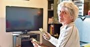 Anni Flückigers Fernseher und Telefon versagen seit einer Woche den Dienst. Die Swisscom hat die Netze falsch konfiguriert. (Bild: Mario Testa)