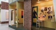 In Anne Franks nachgebautem Schlafzimmer hat auch Justin Bieber seinen Platz. (Bild: Markus Tretter)