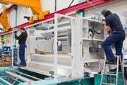 Die Produktionshalle von Bühler in Uzwil: Der Technologiekonzern erhielt mehr Bestellungen. (Bild: Coralie Wenger/Archiv)