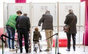 Gut vierzig Prozent aller Niederländer wussten gemäss Umfragen zwei Tage vor der Wahl noch nicht, für wen sie einlegen werden. (Symbolbild) (Bild: MARCO DE SWART (EPA ANP))