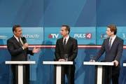 Erste Analysen im Fernsehen nach dem Wahlergebnis (von link): Heinz-Christian Strache (FPÖ). Christian Kern (SPÖ) und Sebastian Kurz (ÖVP). (Bild: Sean Gallup (Getty Wien))