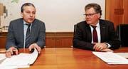 Dominik Gemperli (links) und Andreas Gehrig können einen guten Jahresabschluss für Goldach verkünden. (Bild: Rudolf Hirtl)