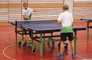 Beim Tischtennis ging es zu Beginn vor allem darum, sich den Ball hin und her zu spielen.