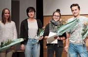 Für ihre Maturaarbeiten prämiert: Julia Scherer, Helen Ribi, Sophie Meng und Aurel Appius. (Bild: PD)