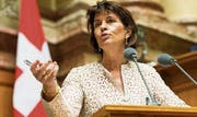 Bundesrätin Doris Leuthard sprach sich für die Aufhebung des Alkoholverbots aus. (Bild: Thomas Delley/KEY)