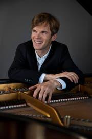 Matthias Roths Leidenschaft ist das Klavierspielen. (Bild: Christian Senti)