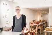 Noch bis Ende Dezember verkauft Aja Brunner in ihrem Pop-up-Shop Weihnachtsdekoration. (Bild: Thi My Lien Nguyen)