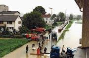 Im Frühsommer 1995 überflutete der Chemenbach weite Teile des Gebiets Hasli beim Bahnhof Müllheim-Wigoltingen. (Bild: PD/Georg Willi)