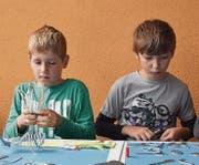 In der Produktionshalle der Mein Topf Produktions AG kreierten die Kinder eine Gottesanbeterin aus Blech.