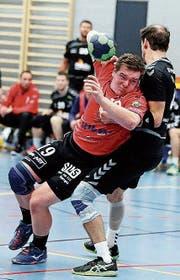 Das mag Trainer Dittgert, wenn sich seine Spieler so einsetzen. (Bild: Mario Gaccioli)