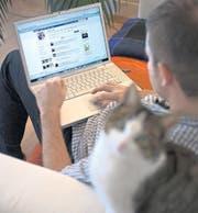 Hackergruppen wie die «Swiss Privacy Foundation» wollen keine Überwachung des Internets. (Bild: ky/Alessandro Della Bella)