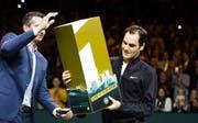 Roger Federer wurde in Rotterdam nach dem Sieg gegen Robin Haase als neue Nummer 1 der Tenniswelt gefeiert. (Bild: KOEN SUYK (EPA))