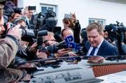 Am Montag hatten Tausende vor dem Parlament Gunnlaugssons Rücktritt gefordert - dieser ist den Forderungen nun nachgekommen. (Bild: Keystone)
