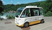 Der autonom fahrende Bus der Firma AMoTech, der im ÖV-Lab getestet und in den Schaffhauser Verkehrsbetrieb integriert werden wird. (Bild: Eric Bührer (Neuhausen, 4. Juli 2017))