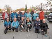 Die Nordic Walker besammeln sich auf dem Coop-Parkplatz (Bild: PD)
