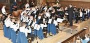 Ein Dirigent, zwei Musikgruppen: Harry Zierler hatte mit der Bürgermusik Gams, …