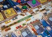 «Lords of Vegas» stellt nicht nur das Zocken in den Vordergrund, sondern auch den Aufbau von Casinoketten. Der Spieler, dessen Casinos am meisten Geld abwerfen, hat gewonnen.
