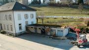 Abbruch: Der Annexbau des Verwaltungsgebäudes der Kaserne Herisau weicht als erster. (Bild: Markus Fässler)