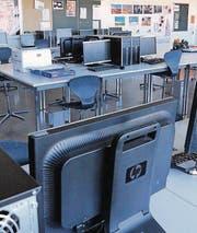 Der veraltete Informatikraum im Befang wird neu ausgestattet. (Bild: Hannelore Bruderer)