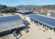 Die neue Solaranlage auf den drei Dächern der Firma Alder nimmt eine Fläche von 1500 Quadratmetern ein. (Bild: pd)