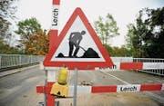 Die Sirnacher Murgbrücke ist eine Baustelle, die Vergabe der Auftrages ist ein Stammtischthema. (Bilder: Olaf Kühne)