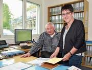 Gemeindepräsident Hans Matthey und Vizegemeindepräsidentin Ursula Klaus in der Gemeindeverwaltung. (Bild: Mario Testa (Affeltrangen, 3. Mai 2017))