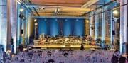 Selbst im Rohausbau strahlt die Kulturhalle im Presswerk urbanen Charme aus, wie hier vor Beginn eines Konzertes. (Bild: Max Eichenberger)