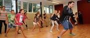 7.–11. August: 99 Kinder und Jugendliche besuchen die Ferienkurse des Vereins Südkultur, unter anderem beim Gamser Musicalstar Patric Scott. (Bild: Alexandra Gächter)