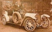Hippolyt Saurer am Steuer eines Saurer-Tourenwagens um 1908. Das Kontrollschild sieht dem «TG 1» sehr ähnlich. (Archivbild: Saurer Museum Arbon)