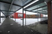 Die Schule Erlen: Der Beschuldigte war hier als Abwart tätig. (Bild: Donato Caspari)