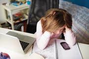 Cybermobbing ist für Thurgauer Kinder und Jugendliche manchmal belastend. (Bild: Fotolia)