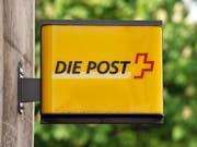 Die Post kommt wegen der drohenden Schliessung vieler Filialen nicht aus den Schlagzeilen. (Bild: GEORGIOS KEFALAS (KEYSTONE))