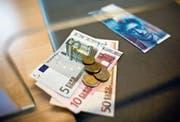 Der starke Franken setzte im Jahr 2015 der Thurgauer Wirtschaft zu. (Bild: KEY/Ennio Leanza)