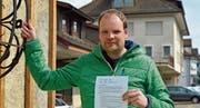 Lukas Madörin und die Mitunterzeichner fordern Antworten zur Liegenschaft Bankstrasse. (Bild: Mario Testa)